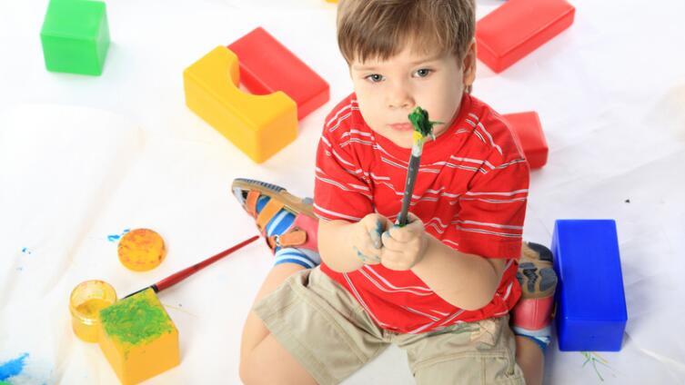Как влияет на психику ребёнка дефицит общения?
