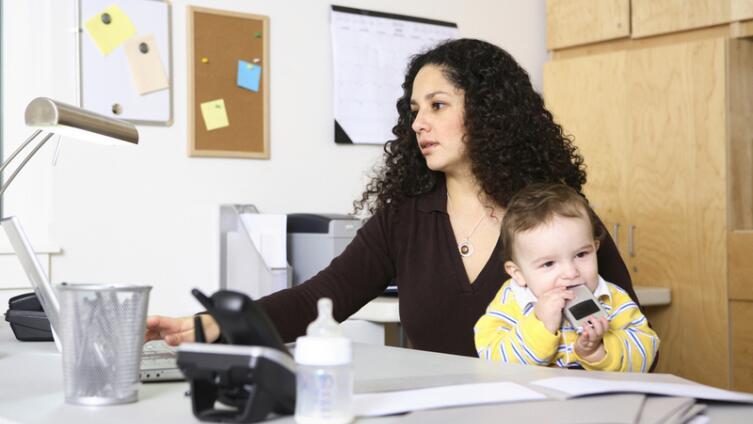 Как молодой маме заработать на игрушки? Есть пять верных способов!