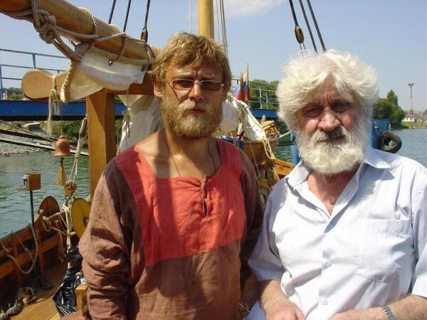Август 2006 г., Евгений Гвоздев - справа, на борту ладьи