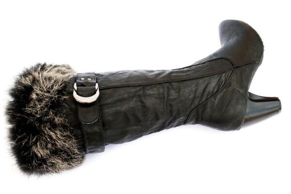 Кожаные женские сапоги с меховой опушкой, фото N 2160098 (c) Рузанна...