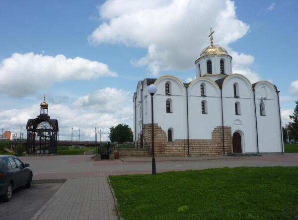 Благовещенский собор с ажурной  звонницей