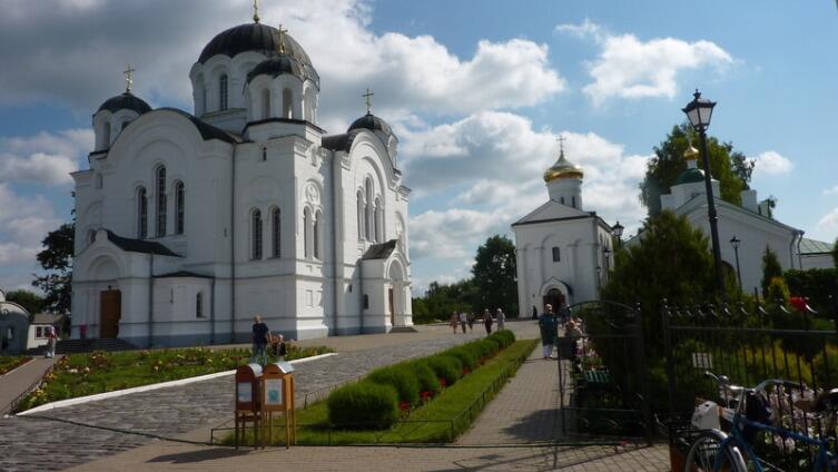 Спасо-Ефросиньевский монастырь, Спасо-Преображенский и Крестовоздвиженский соборы