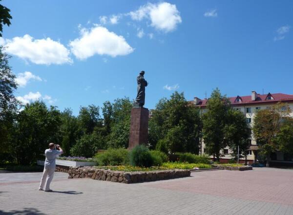 Площадь Франциска Скорины с памятником