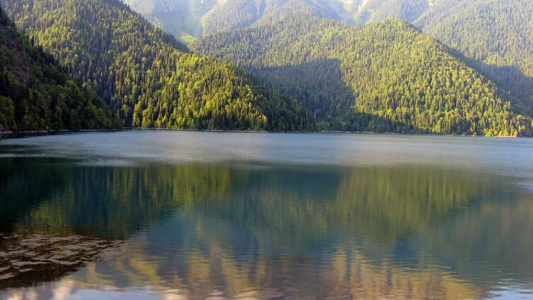 Вспомним лето? Абхазия: руно золотое, а тост – самый лучший!