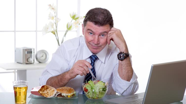 Что едят сотрудники офисов в России? Раскрутите шефа на тефтели!