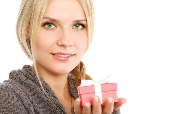 Какой подарок выбрать для любимого человека?