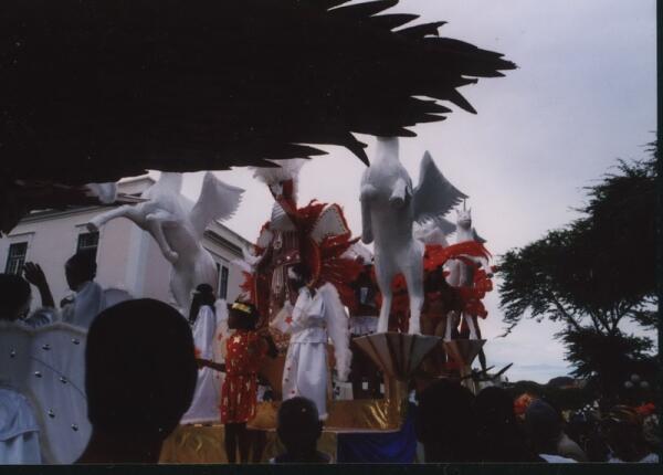 Карнавал в Минделу, февраль