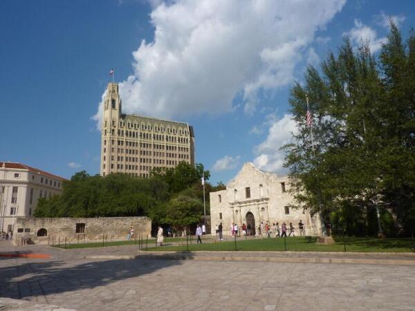 Чем привлекателен город Сан-Антонио? Часть 1