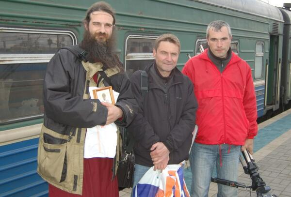 Участники экспедиции едут в Архангельск: Дмитрий, Георгий, Андрей