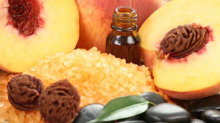В чём уникальные и универсальные свойства персикового масла?