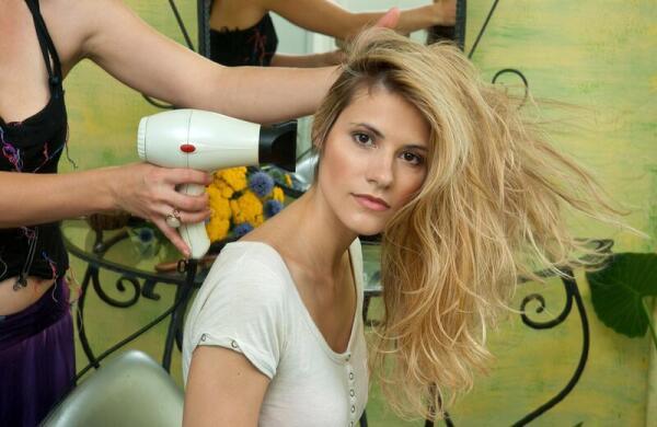Уход за волосами: чему не следует верить?