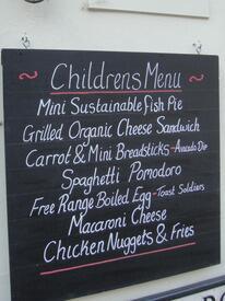 Детское меню в пабе – привычное явление