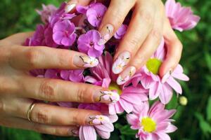 Какой дизайн ногтей самый модный? Китайская роспись