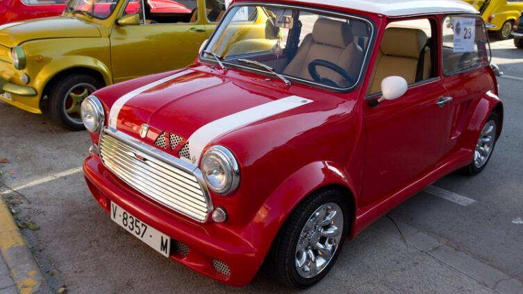 Mini. Как маленький автомобильчик стал большим достижением английского автопрома?