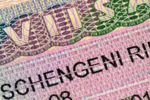 Можно ли самостоятельно получить шенгенскую визу?