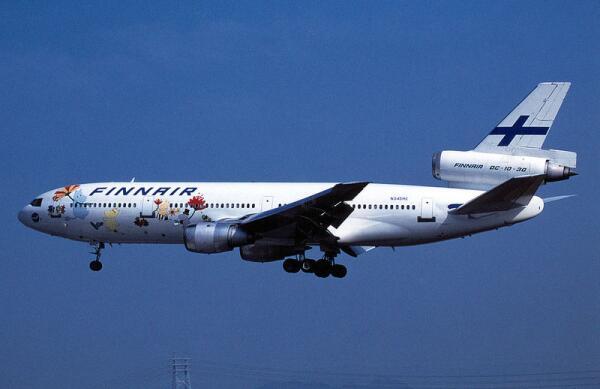 Муми-тролли на фюзеляже самолёта финской авиакомпании «Finnair»