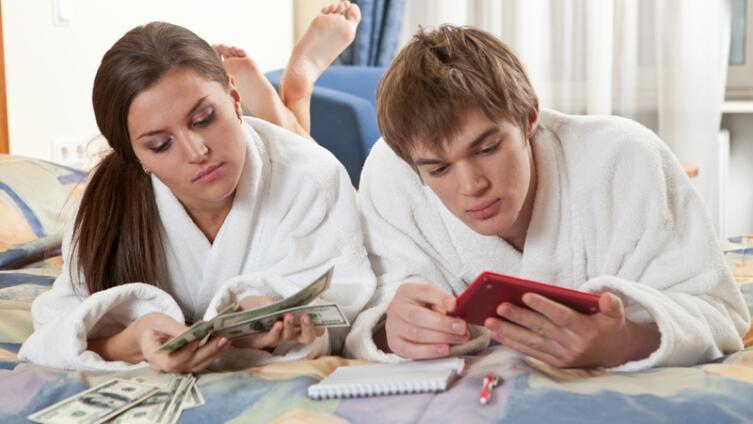 В чьих руках должны быть семейные деньги?
