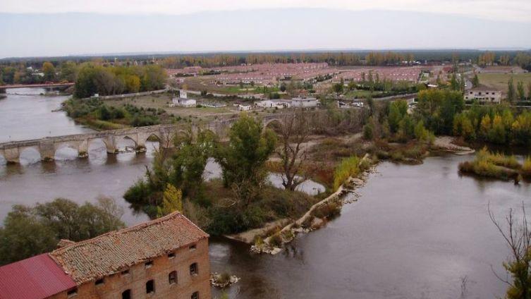 Симанкас: вид на реку Писуэрга