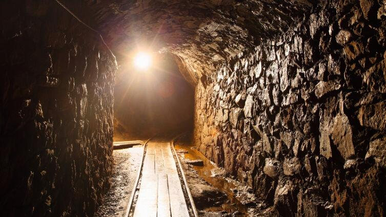О чем пели американские шахтеры? История песни «Sixteen Tons»