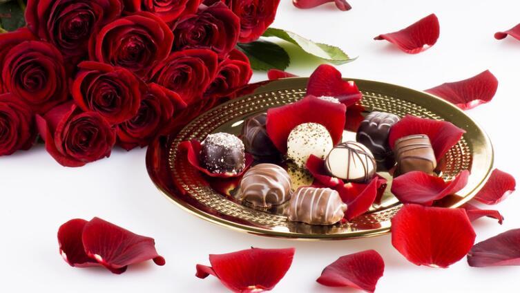 Почему влюбленные дарят шоколадки? История сладкого признания