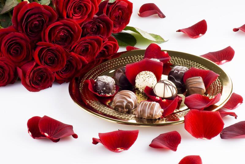 Для тебя цветок и шоколад открытки