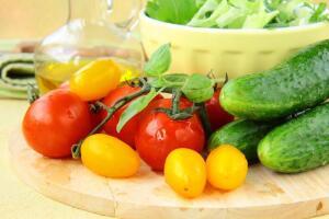 Как быстро и просто солить овощи?