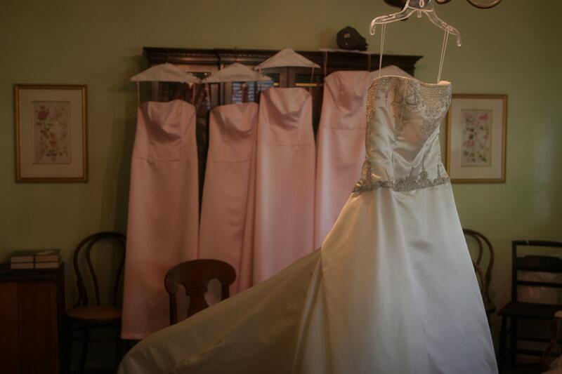 db79179be39 Как подобрать платье на свадьбу подруги