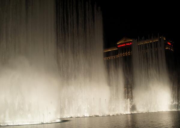 Поющие фонтаны Лас-Вегаса