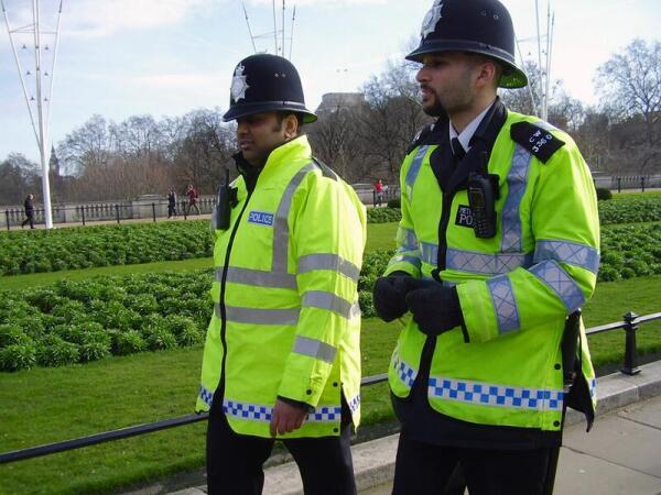 Полицейские на улицах Лондона