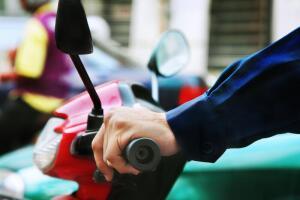Как бороться с ценами на бензин и пробками?
