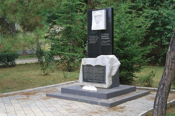 Памятник Николаю Гумилёву, Коктебель, АР Крым