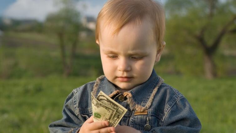Как научить своего ребенка правильно обращаться с деньгами?
