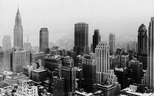 Нью-Йорк с крыши Рокфелерского центра. 1932 г.