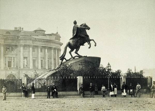 Памятник Петру Великому. Фото конца XIX века.