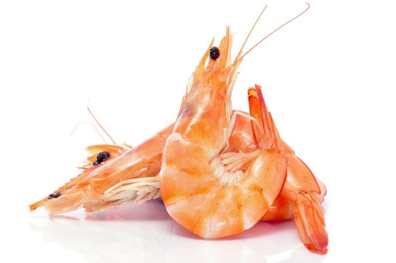 На популярном владивостокском рынке изъята опасная для здоровья креветка