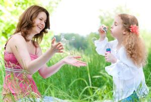 Как выбрать няню? Практические советы
