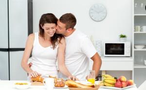 С кем, когда и как нам завтракать?