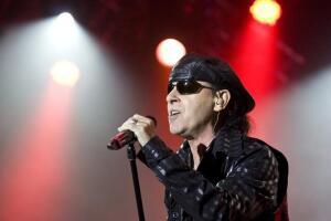 Как SCORPIONS написали гимн рок-н-ролла, гимн любви и гимн перестройки? Ко дню рождения Клауса Майне.
