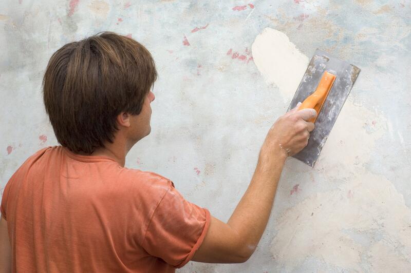 Чем штукатурить стены своими руками