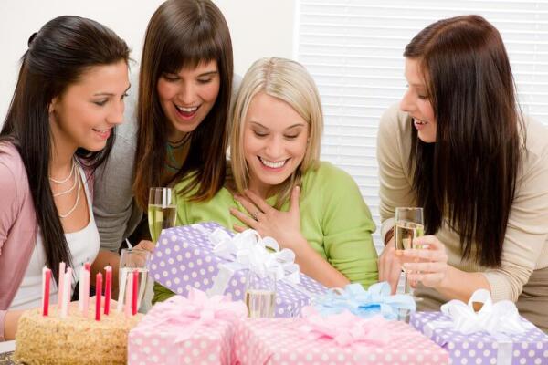 Подарок для подруги должен быть выбран с душой