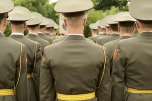Нужна ли России контрактная армия?