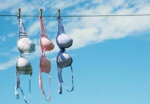 Сколько лет силиконовой груди?