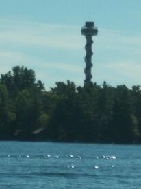 Смотровая башня видна издалека