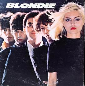 Первые диски BLONDIE больше оценили в Европе, чем на родине