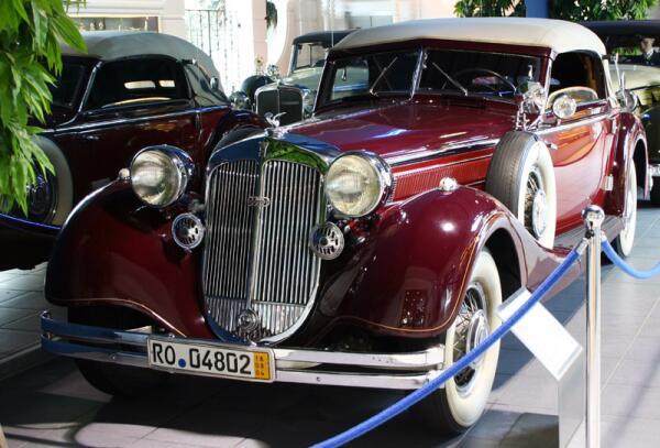 Автомобиль Horch 853 1938 года