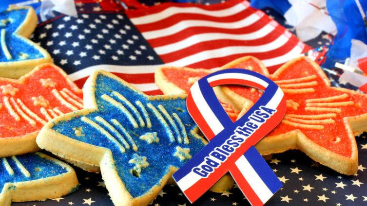 Запахло жареным? С днём рождения, Америка!