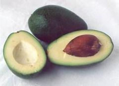 Авокадо поможет забыть о сухости кожи и вернуть блеск потускневшим волосам