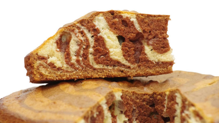 Как приготовить пирог «Зебра»?