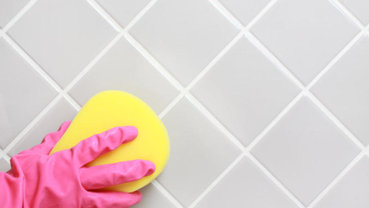 Как почистить кафель в ванной?