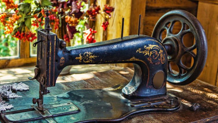 Как изобретали швейную машину?